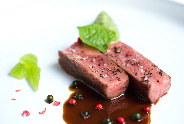 https://jarrahridge.com/wp-content/uploads/2017/04/Blackmore-Waygu-with-Gremolata-and-Pepper-Berries1.jpg