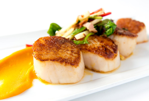 https://jarrahridge.com/wp-content/uploads/2017/04/Pan-Seared-Scallops-with-Ginger-Curry-Mango-Sauce1.jpg